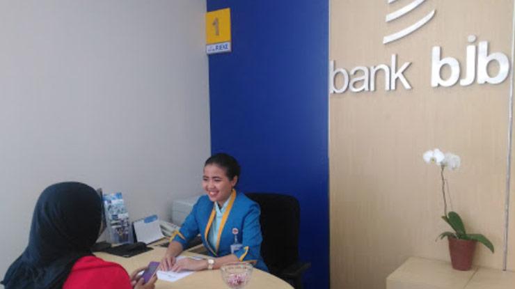 Lewat Kantor Bank BJB